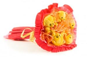 Букет из игрушек красный 5 мишек от Долина Подарков