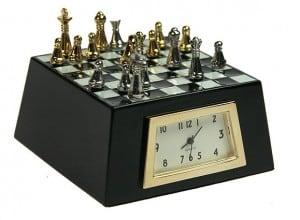 """Часы настольные \""""Шахматная партия\"""" от Долина Подарков"""