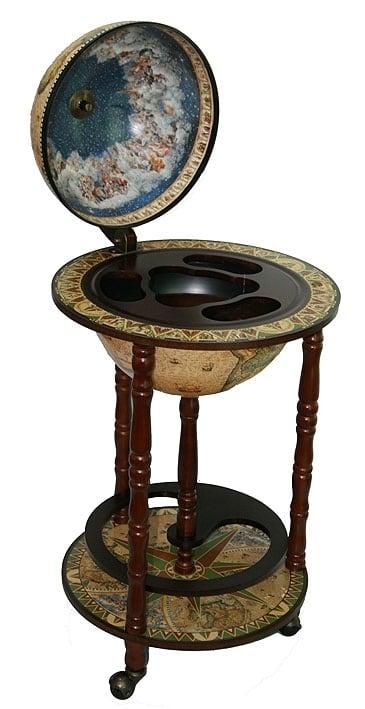 Купить Глобус-бар *Сокровища древнего мира* в напольном исполнении в интернет-магазине подарков. Огромный выбор необычных подарков и сувениров широкого ценового диапазона!