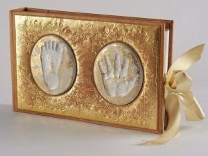 Детский подарочный фотоальбом (натуральная кожа)Фотоальбом ручной работы из кожи с керамическими вставками<br>