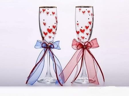 Купить Набор фужеров *Алые сердца* с лентами в интернет-магазине подарков. Огромный выбор необычных подарков и сувениров широкого ценового диапазона!