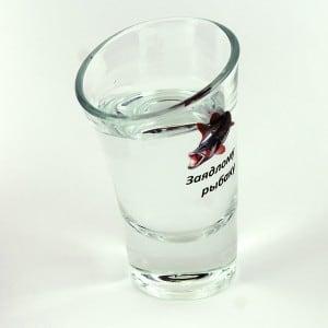 Пьяная рюмка заядлого рыбака от Долина Подарков