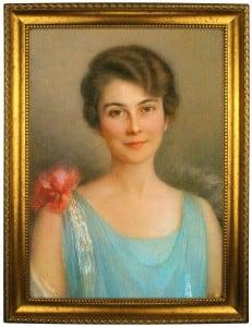 Портрет по фото *Женщина в голубом* портрет по фото в платье с красным поясом