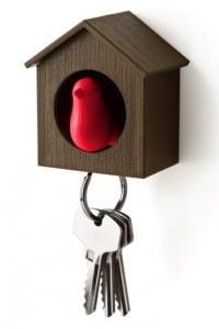 Держатель ключей Скворечник брелок для поиска ключей в комплекте свисток цена