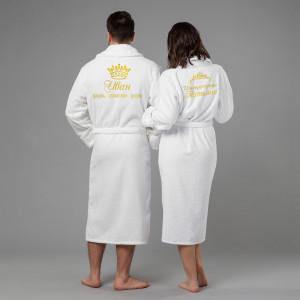 Комплект халатов с именной вышивкой Царь и Императрица(белые) комплект халатов с вышивкой именной
