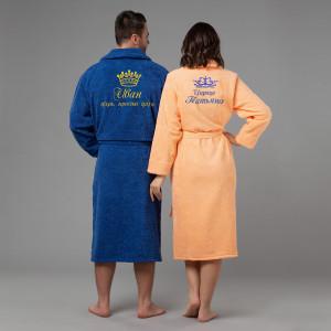 Комплект халатов с именной вышивкой Царь и Царица (синий и персик) комплект халатов с вышивкой именной